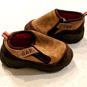 GAP suede shoes for toddler